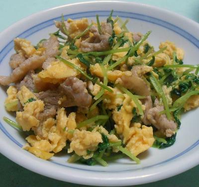 安い材料で手早く美味しく 豆苗の炒め物