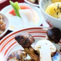 焼き松茸と栗ごはんと秋刀魚の味噌炒めで秋ごはん