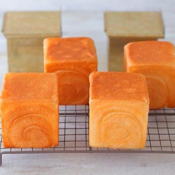 松永製作所さんの優れものパン型でミニキューブ食パンを焼く