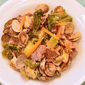 キャベツと豚とアサリのハーブ蒸し煮