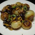 今日の一皿《ペコロスとオリーブのブレゼ》 Petis oignons braisés aux olives
