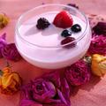 簡単、牛乳プリンにストロベリーチョコソースがけ(ミックスベリー)