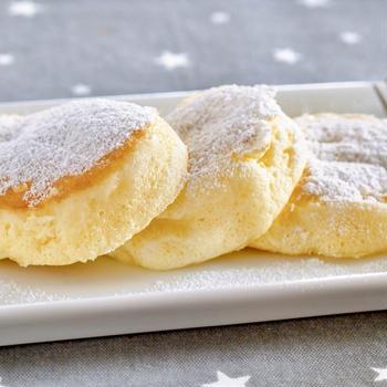 材料5つでスフレパンケーキ | 英語料理 レシピ動画 | OCHIKERON