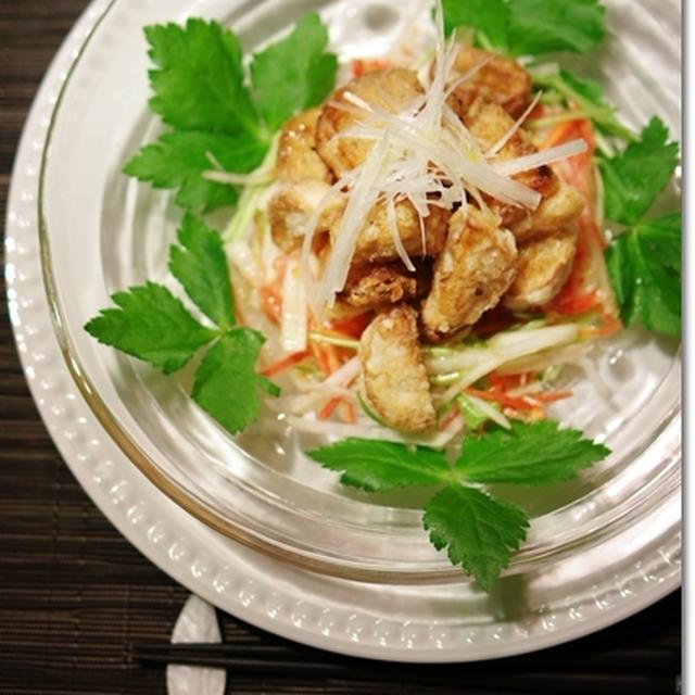 カリカリ柚子胡椒チキンと里芋のごちそうサラダ
