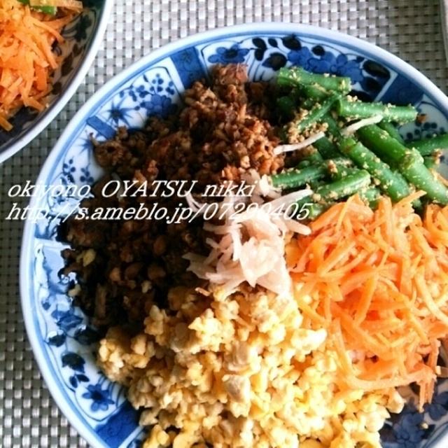 お豆腐でめっちゃ嵩まし♪鯖とお豆腐の三色丼