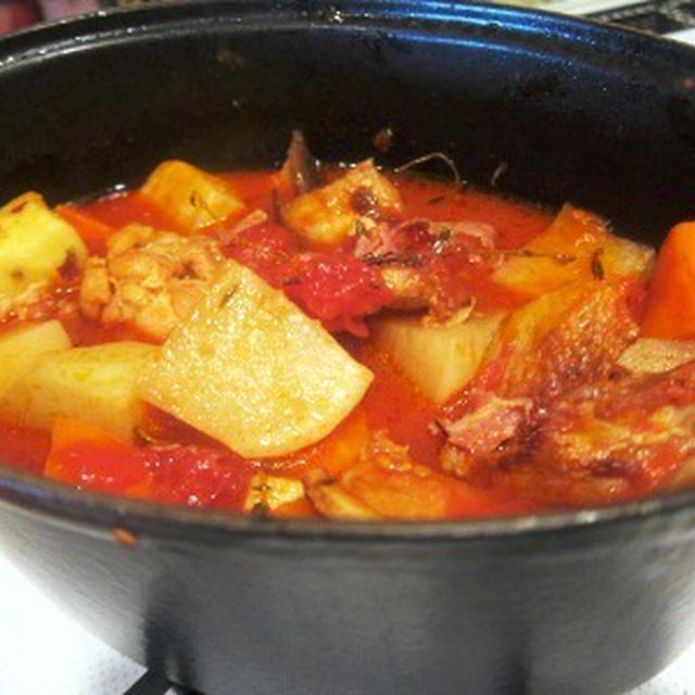 豚バラと手羽元と根菜のトマト煮込み