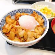 鶏すき丼を食べてきた〜
