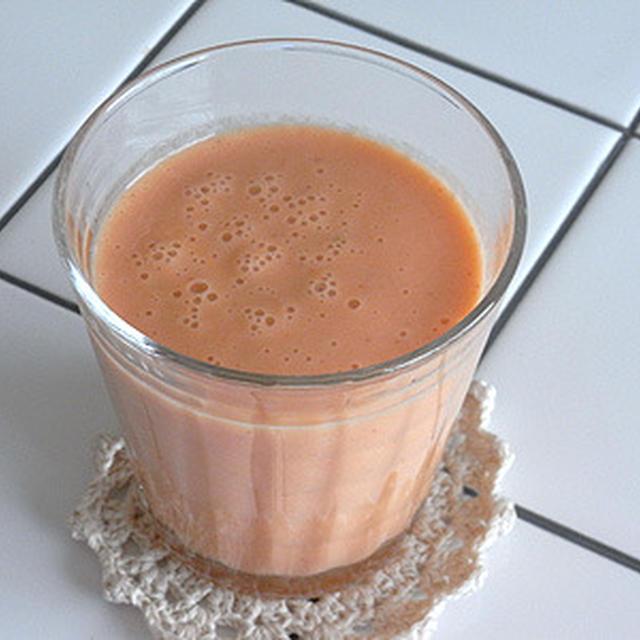 いちご+にんじん+美生柑+牛乳のフレッシュジュース