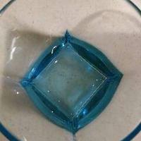洗いにくいグラスも「キュキュットCLEAR泡スプレー」でピッカピカ