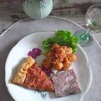 週末フランス惣菜屋さんごはん ~エマウスのブロカント食器たちで~