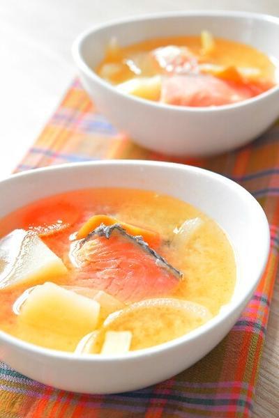 石狩鍋風、味噌バタースープのレシピ