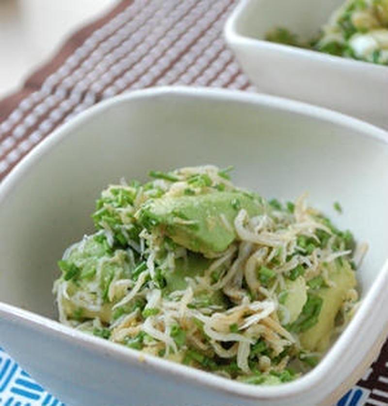 簡単だから副菜におすすめ!和風がおいしい「アボカドの和え物」レシピ