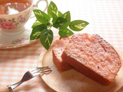 ホットケーキミックスで☆桃色パウンドケーキ