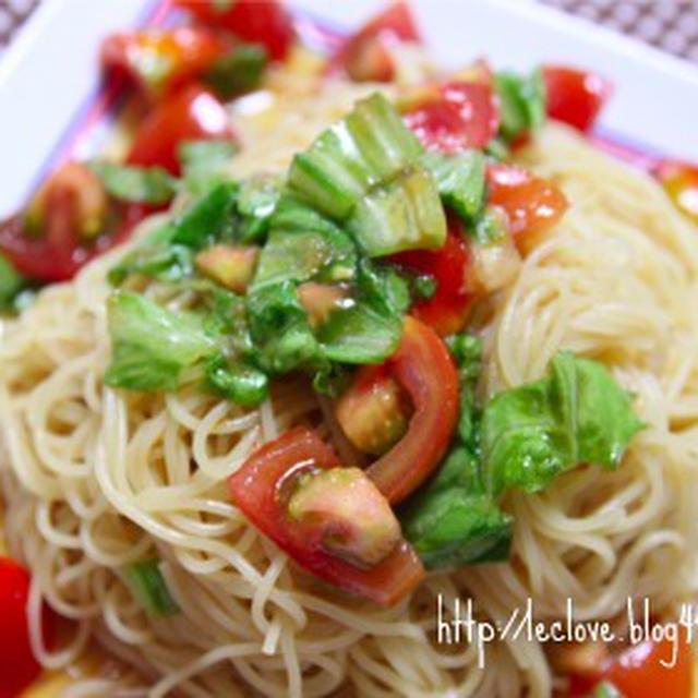 トマトとレタスのサラダパスタ