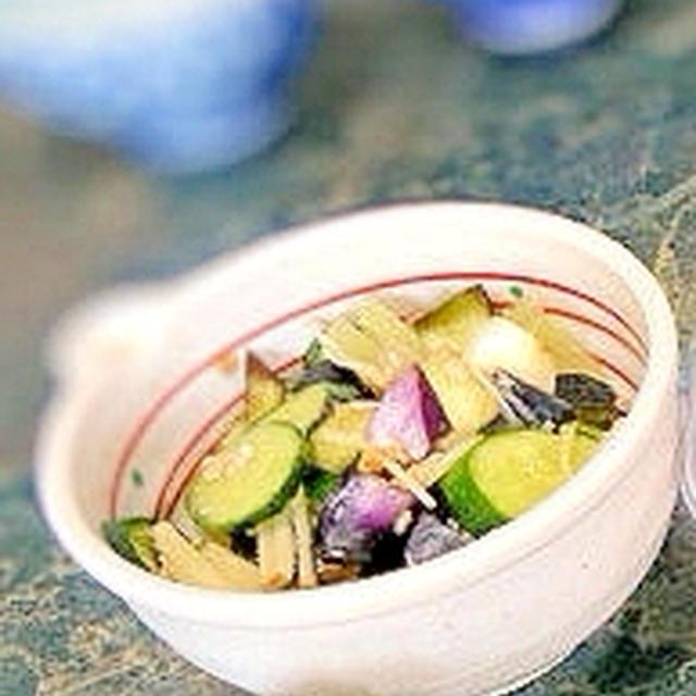 きゅうりと瓜の醤油麹即席漬け