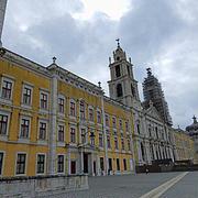 宮殿とアズレージョの旅-MAFRA国立宮殿と迫力のフランス娘