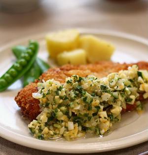 チキンカツ☆ゆで卵とラッキョウのソース添え