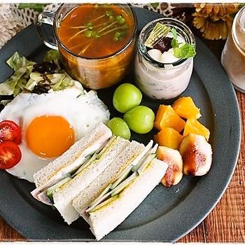 ワンプレート朝ごはん~シンプルサンドイッチとダイエットスープ~