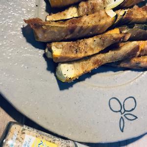 ズッキーニの豚巻きグリル♪レモンペッパー味