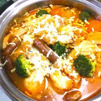 なべしゃぶ☆ガーリックトマトつゆで洋風トマトチーズ鍋
