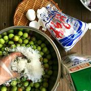 梅始め、カリカリ小梅を漬けました。