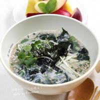 ◼️今年35周年!わかめスープで麺レシピ♡わかめたっぷりビーフンごまスープ