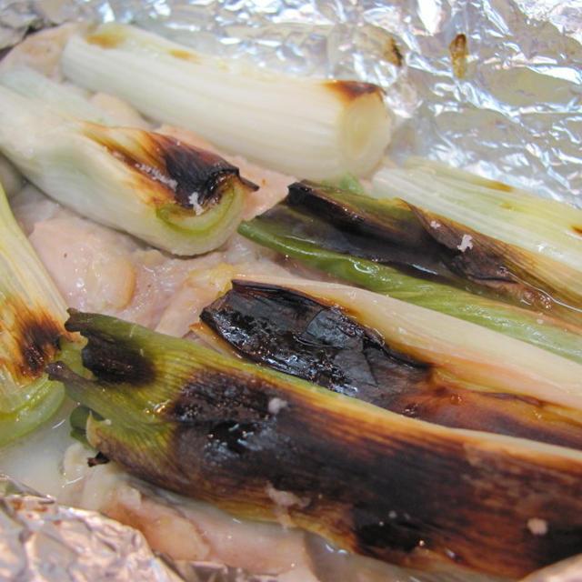 鶏と下仁田葱のホイル焼きをレモンと粗塩で