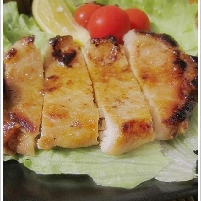 西京味噌 de トンテキの漬け焼き~!甘みあるお味噌が最強。なんもいえねぇー by我が家。