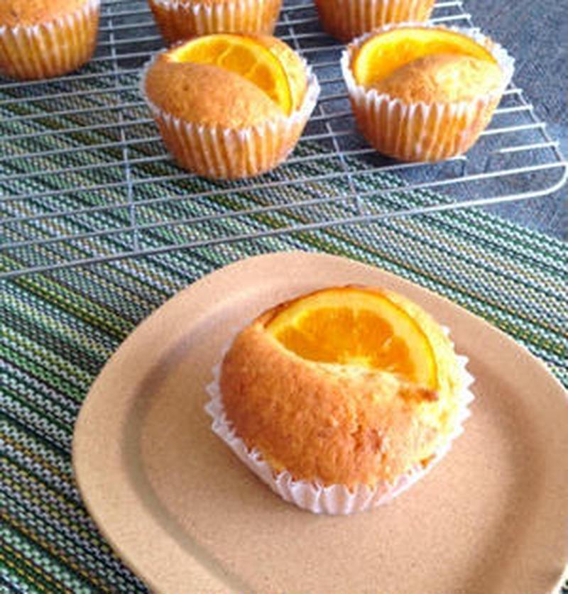 甘酸っぱさにやみつき♪混ぜて焼くだけ「オレンジマフィン」5選