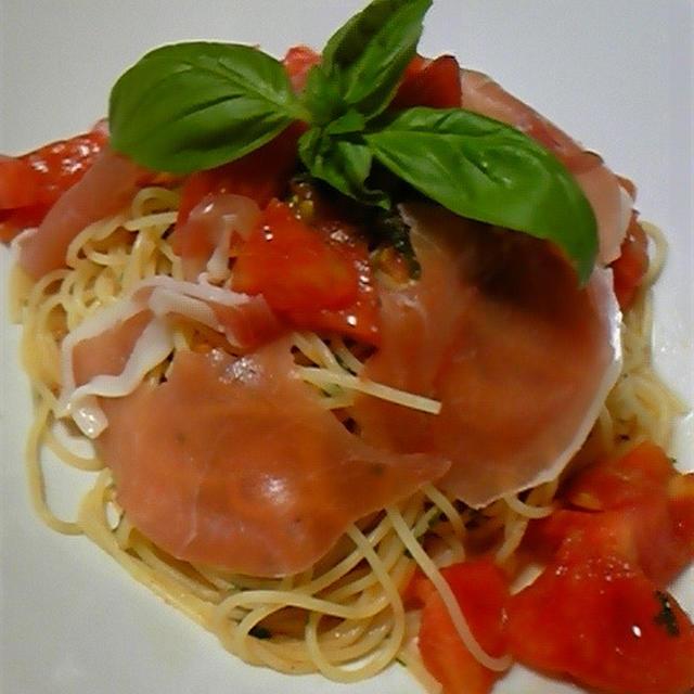 超~簡単おしゃれ!トマトと生ハムの冷製カペッリーニの作り方♪