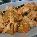 野菜たっぷりボリュームおかず♪ 鶏むねのキムチ味噌マヨ炒め