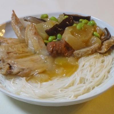 冬瓜と鶏手羽先の とろ~り梅煮あんかけ素麺