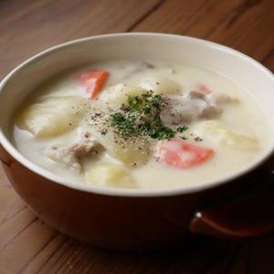 寒~い日に食べたい!熱々ほっこり、ヘルシーな「豆乳シチュー」