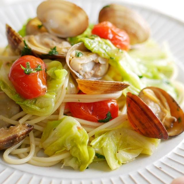 茹でないで。元イタリアン料理人の 春キャベツのボンゴレビアンコ(ポイント追記)
