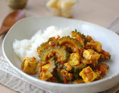 ゴーヤと豆腐の炒めカレー