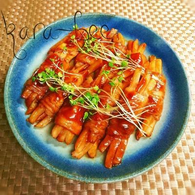 冷凍ポテトで簡単!お弁当にも◎肉巻きポテトポークチャップ味