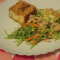 豆苗と豚肉の卵ソテー・焼き生揚げ添え
