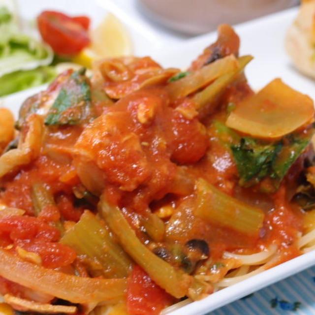 トリムネ肉と野菜のトマトパスタ~カレー風味☆