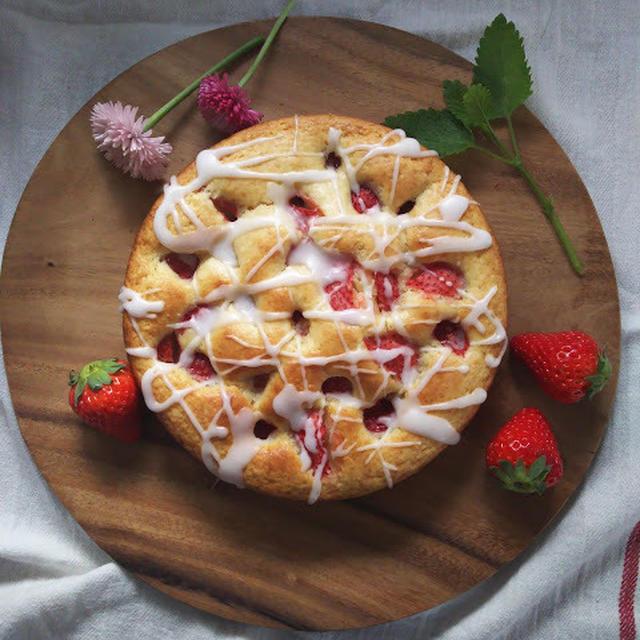 いちごとギリシャヨーグルトのケーキ
