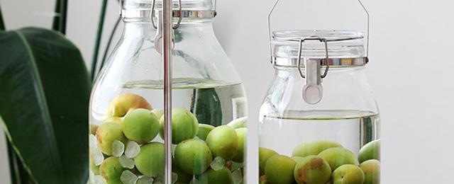 この時期のお楽しみ♪おうちで作る梅酒&梅シロップレシピ