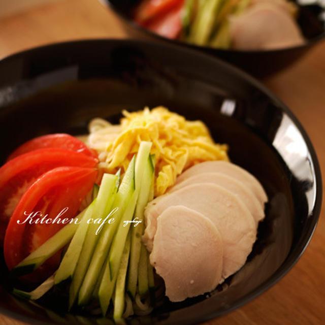 冷やし中華に自家製鶏ハム!