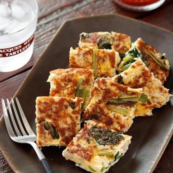 小松菜とひき肉のチーズオムレツ【#作り置き #お弁当 #冷凍保存 #包丁不要 #おもてなし #主菜】