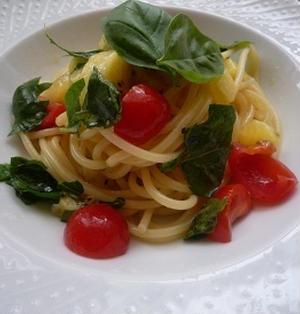 ☆バジルとトマトとキウイの冷製カッペリーニ☆