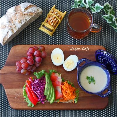 オープンサンドと、スープでワンプレ朝食♪