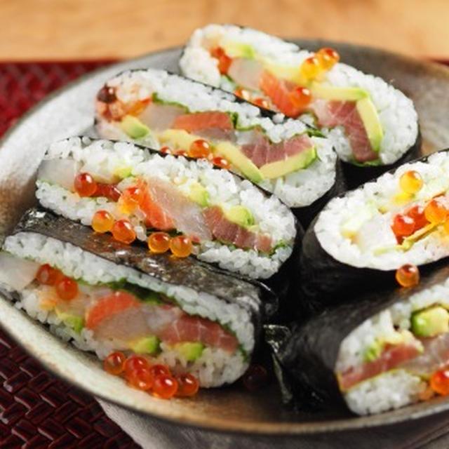 「海鮮丼おにぎらず」 マイナビニュース 、 明太たまご&サバサラのおにぎらず
