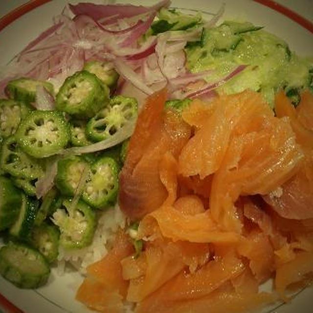 火を使わない簡単な夕食 ~スモークサーモンのちらし寿司~