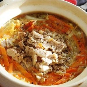 汁ごと食べたい!ビタミン宝庫「豚肉」の鍋レシピ