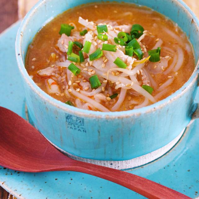 煮るだけ5分♪身体もお財布もポッカポカ♪『豚肉ともやしのコクうま♡韓国風とろみスープ』