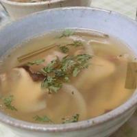ベーコンでコクうま♪ エリンギのレモンジンジャースープ