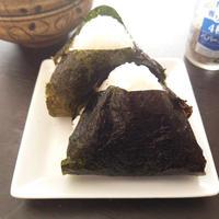 韓国のり風おにぎり《GABANスパイスで朝ごはん・ハウス香りソルト4種のペパーミックス》